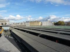 Gare de l'Est - Nederlands: De overkapping van de perrons