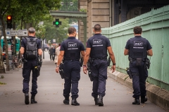 Gare de l'Est -  Agents de la police ferroviaire SNCF (SUGE ou Sûreté ferroviaire) Paris Gare de l\'Est juillet 2014