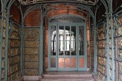 Immeuble dit Castel Béranger -  (Auteuil) Rue Jean de la Fontaine Impressive Art Nouveau building. Arch. Hector Guimard  1895-98.