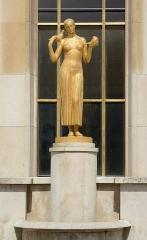 Palais de Chaillot - Français:   Palais de Chaillot Sculpture exterieur (Classé)