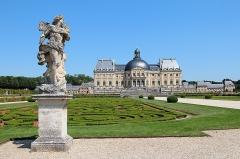 Château de Vaux-le-Vicomte (également sur commune de Moisenay) - Français:   Jardins et château de  Vaux-le-Vicomte -  Maincy (Seine-et-Marne, France).