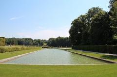Château de Vaux-le-Vicomte - Français:   Petit canal occidental des jardins du château de Vaux-le-Vicomte - Maincy (Seine-et-Marne, France