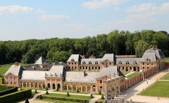 Château de Vaux-le-Vicomte - Français:   Anciennes grande écuries et actuelle musée des équipages du château de  Vaux-le-Vicomte -  Maincy (Seine-et-Marne, France).