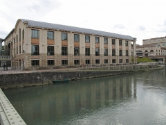 Ancienne usine Menier - English: The downstream warehouse of the chocolate factory in Noisiel (Seine-et-Marne, France).