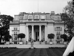 Ancien château de Madame du Barry - Français:   Pavillon de Musique - Louveciennes - 1931
