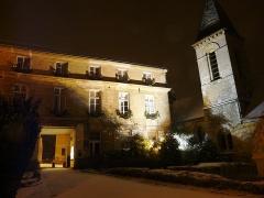 Eglise -  mairie et église sous la neige de nuit