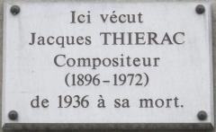 Immeuble - Français:   Plaque commémorative, 84 boulevard Malesherbes, Paris 8e. «Ici vécut Jacques Thiérac, compositeur (1896-1972), de 1936 à sa mort.»