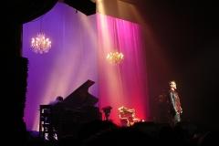 Théâtre Marigny - Français:   Le chanteur français Florent Pagny sur la scène du Théâtre Marigny en 2011, à Paris, en France