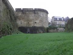 Remparts, tours et portes de la ville - Tour du Bigon de l'enceinte médiévale de Dinan (22).