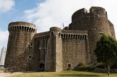 Château, actuellement préfecture maritime -  Le château de Brest dans le Finistère.