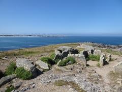 Presqu'île de la Torche ou Bogan Dorchenn - Français:   Dolmen de la pointe de la Torche (Beg an Dorchenn)