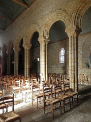 Eglise Notre-Dame de Roscudon - Français:   Nef et collatéral nord de la collégiale Notre-Dame-de-Roscudon à Pont-Croix (29).