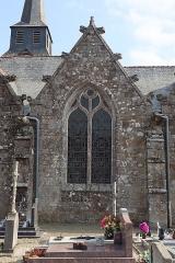Eglise Saint-Léon - Façade nord de l'église Saint-Léon de La Baussaine (35). 2ème chapelle nord (numérotation d'est en ouest).