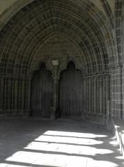 Ancienne cathédrale Saint-Samson - Portail du grand porche de la cathédrale Saint-Samson de Dol-de-Bretagne (35).