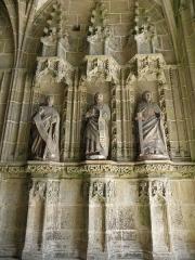 Eglise ou chapelle Notre-Dame - Philippe ,Mathieu et Paul. Trois apôtres du porche des femmes de la chapelle Notre-Dame de Kernascléden (56).