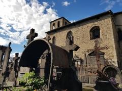 Eglise Saint-Genès - English:   Saint-Jean de Thiers church and cemetery