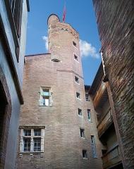 Hôtel dit de Cheverry - English:  Hôtel de Boysson - Inner courtyard and tower the fifteenth century.