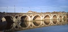 Pont-Neuf qui assure à la R.D. 124 le franchissement de la Garonne - French architect