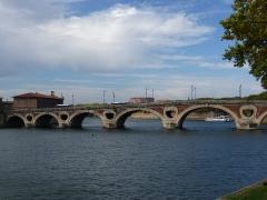 Pont-Neuf qui assure à la R.D. 124 le franchissement de la Garonne - Català: Pont-Neuf (Tolosa)
