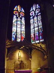 Cathédrale Sainte-Marie - Cathédrale Sainte-Marie d'Auch, Gers. Vitraux d'Arnaud de Moles. Chapelle du Saint-Sacrement.