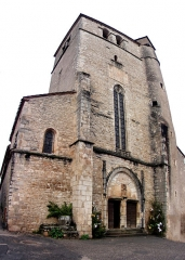 Eglise - This building is classé au titre des Monuments Historiques. It is indexed in the Base Mérimée, a database of architectural heritage maintained by the French Ministry of Culture,under the reference PA00095227 .