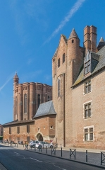 Palais de l'Archevêché ou de la Berbie - English: Palais de la Berbie in Albi, Tarn, France        This place is a UNESCO World Heritage Site, listed as Cité épiscopale d'Albi.  العربية | asturianu | беларуская | беларуская (тарашкевіца)‎ | বাংলা | català | čeština | dansk | Deutsch | English | español | euskara | فارسی | français | עברית | hrvatski | magyar | bahasa Indonesia | italiano | 日本語 | 한국어 | latviešu | македонски | മലയാളം | مازِرونی | Nederlands | polski | português | português do Brasil | română | русский | sicilianu | slovenčina | slovenščina | Türkçe | українська | Tiếng Việt | 中文 | 中文(中国大陆)‎ | 中文(简体)‎ | 中文(繁體)‎ | 中文(台灣)‎ | +/−