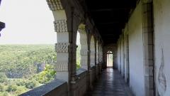Ruines du château - Français:   Balcon à arcades de style Renaissance donnant sur la vallée de l\'Aveyron du \