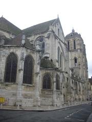Eglise Saint-Pierre - Français:   Église Saint-Pierre de Dreux (Eure-et-Loir, France), flanc nord-ouest