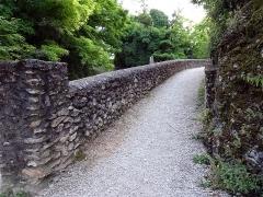Site castral de Montbazon - Français:   Donjon de Montbazon, entrée du chateau.