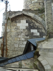 Ancienne abbaye de Saint-Martin - English:   Medieval Saint-Martin basilica, destroyed in the late XVIIIth century. Clock Tower (Tour de l\'Horloge). Remains of the first bay of the nave (south wall).