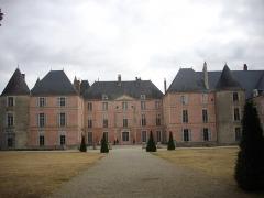 Château - Français:   Château de Meung-sur-Loire (Loiret, France), façade sud-ouest