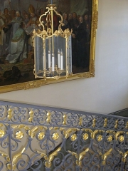 Ancien évêché, puis bibliothèque municipale, actuellement annexe de la médiathèque - Français:   Hôtel Dupanloup, ancien palais épiscopal, à Orléans (Loiret, France), escalier d\'honneur