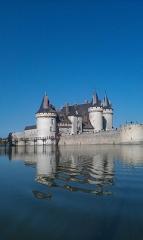 Château - Une vue hors du commun du Chateau de Sully-sur Loire car cette prise de vue  est particulière