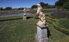 Domaine de Beaumesnil (également sur commune de Gouttières) - English:   Garden of the four seasons at Château de Beaumesnil, Mesnil-en-Ouche, Eure, Normandie, France. Created in the 19th century.