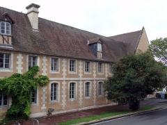 Couvent des Capucins - Français:   Extérieur de l\'ancien couvent des Capucins d'Évreux.