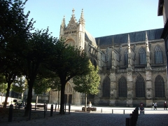 Cathédrale Saint-Etienne - This building is indexed in the Base Mérimée, a database of architectural heritage maintained by the French Ministry of Culture, under the reference PA00100333 .