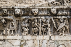 Cathédrale Notre-Dame et Saint-Castor - English: Frieze of the Cathedral of Our Lady and Saint Castor of Nîmes, Gard, France