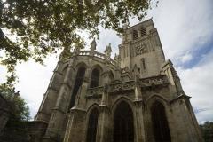 Ancienne cathédrale Saint-Nazaire et cloître Saint-Nazaire - This building is classé au titre des Monuments Historiques. It is indexed in the Base Mérimée, a database of architectural heritage maintained by the French Ministry of Culture,under the reference PA00103374 .