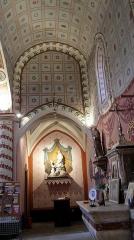 Château - Français:   Laroque - Abside gothique de la chapelle Saint-Jean.