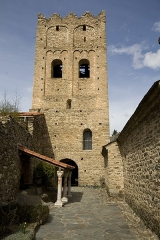 Abbaye de Saint-Martin du Canigou - This building is indexed in the Base Mérimée, a database of architectural heritage maintained by the French Ministry of Culture, under the reference PA00103981 .