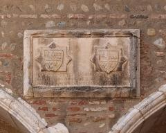 Ancien grand Séminaire - English: Campo Santo in Perpignan, stone relief depicting two coats of arms and inscription.  Ministère de la Culture (France): Base Mémoire:  MHR91_20086604948