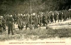 Citadelle et fortifications - Português: Detentos atravessam a pé o forte penal San Martín na Ilha de Ré escoltados por soldados. Imagem data de meados de 1887.