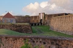 Fort Saint-Charles, Fort Richepance ou Fort Delgrès, puis laboratoire de vulcanologie - Français:   Le fort Delgrès