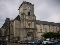 Ancienne abbaye - Français:   Église abbatiale Saint-Michel de Saint-Mihiel (Meuse, France)