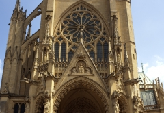 Cathédrale Saint-Etienne - This building is indexed in the Base Mérimée, a database of architectural heritage maintained by the French Ministry of Culture,under the reference PA00106817 .