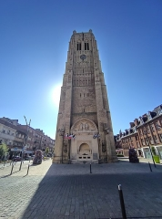 Eglise Saint-Eloi - This building is classé au titre des monuments historiques de la France. It is indexed in the base Mérimée, a database of architectural heritage maintained by the French Ministry of Culture,under the references PA00107488   and IA00075022 .