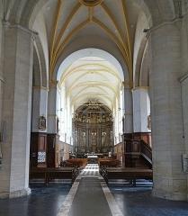 Eglise Saint-Sauveur - Français:   Nef centrale de l\'église Saint-Sauveur d\'Ham-en-Artois. Pas-de-Calais, France.