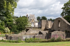 Château - Français:   Le château de Mayenne.