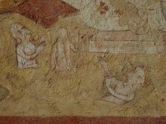 Eglise paroissiale Notre-Dame - Français:   Fresques ornant le mur ouest de la chapelle Sainte-Anne de l\'église Notre-Dame de Cossé-en-Champagne (53). Le Jugement dernier. Résurrection des morts.