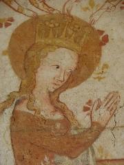 Eglise paroissiale Notre-Dame - Fresques ornant le mur est de la chapelle Sainte-Anne de l'église Notre-Dame de Cossé-en-Champagne (53). Couronnement de la Vierge. La Vierge.